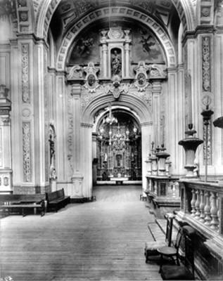 Interior de la Capilla del Señor de Contreras en la Iglesia de San Ángel, D.F.