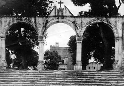 Ex-Convento de San Miguel Árcangel, portada del atrio