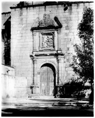 Iglesia de Santo Domingo, fachada exterior, detalle