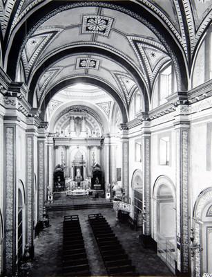 Iglesia de la Merced, nave central vista hacia el altar mayor