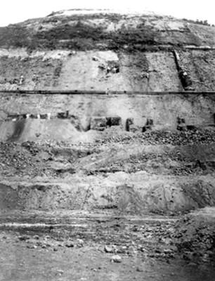 Vista de los trabajos de Leopoldo Batres en la Pirámide del Sol