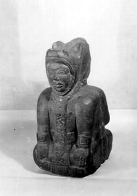 Escultura de figura antropomorfa con doble cara