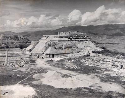 Trabajos de reconstrucción del Sistema 4, Monte Albán