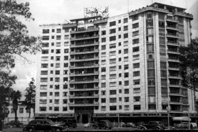 """Edificio de Bonos del Ahorro Nacional ubicado en """"Paseo de la Reforma"""", tarjeta postal"""