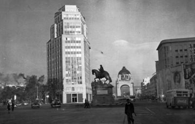 Paseo de Reforma, vista del Caballito y el monumento a la Revolución, tarjeta postal