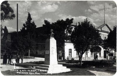"""Jardín y Mto. al Prof. F. Noble"", tarjeta postal"