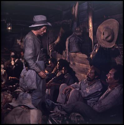 """Rodrigo Puebla en escena junto a Salvador Sánchez y José Chávez, en la película """"La Casa del Sur"""""""