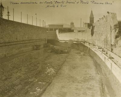 Vista del tramo desazolvado del Puente Benito Juárez al Puente Purísima Chica, norte a sur