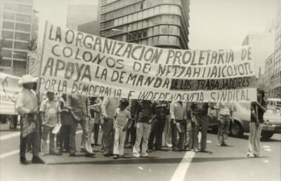 Marcha de colonos de Netzahualcóyotl, desfile del 1° de mayo