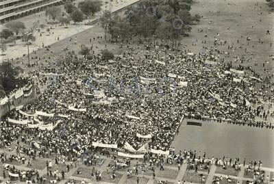 Estudiantes y trabajadores en mitin previo al estallamiento de la Huelga SPAUNAM, Ciudad Universitaria