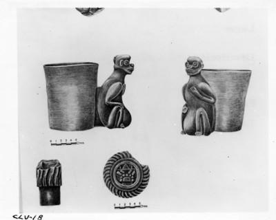 Dibujo de una vasija zoomorfa silbadora y fragmentos de marcadores del juego de pelota