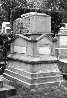 Sepulcro del Gral. Diodoro Corella