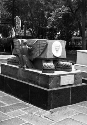 Monumento a V. Gómez Farias en la Rotonda de los Hombres Ilustres del Panteón de Dolores