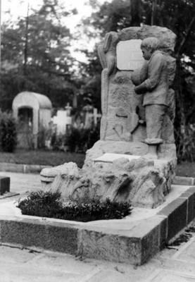 Monumento a Vicente Riva Palacio en la Rotonda de los Hombres Ilustres del Panteón de Dolores