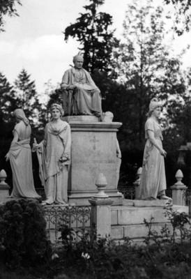 Monumento a Sebastiñan Lerdo de Tejada en la Rotonda de los Hombres Ilustres en el Panteón de Dolores