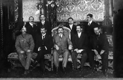 El presidente provisional, general Eulalio Gutierrez, completa su gabinete