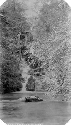 """6219. Cascades at Tamasopa"", paisaje"