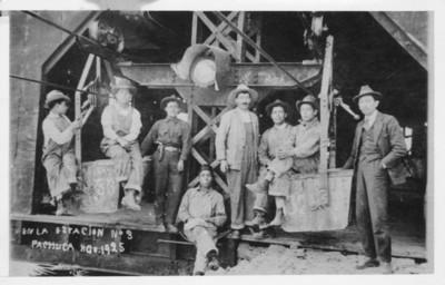 Trabajadores en la estación n°. 3 de Pachuca
