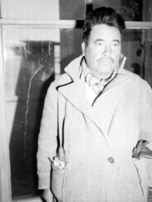 Minero junto a una ventana, durante la Caravana del hambre, retrato