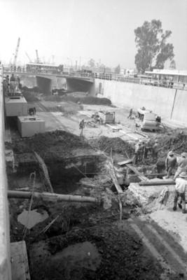 Trabajadores durante la construcción del metro