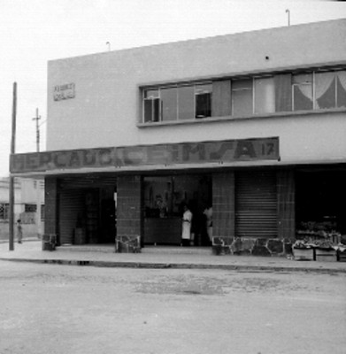 Mercado de C.E.I.M.S.A en una calle del D.F.