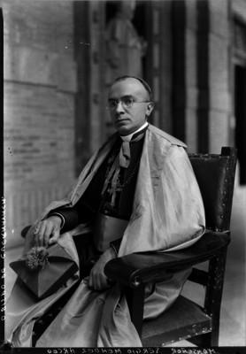 Sergio Méndez Arceo, obispo de Cuernavaca, retrato