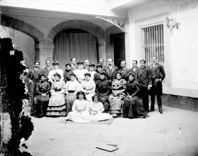Familiares de Benito Juárez, retrato de grupo