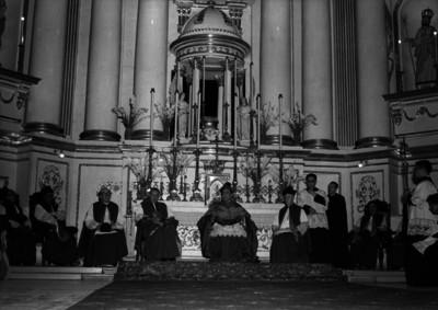 Miguel Darío Miranda y Gómez, durante una misa mancomunada en la iglesia
