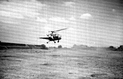 Helicóptero desciende en Teotihuacán