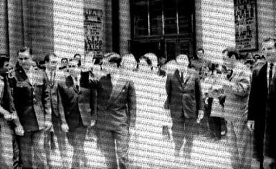 Akihito y comitiva son recibidos en el Palacio de Bellas Artes