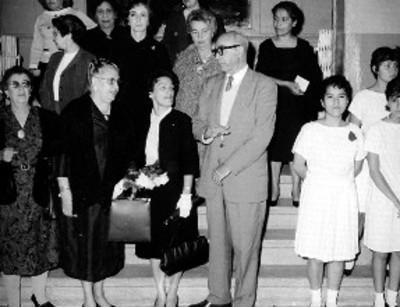 Adolfo López Mateos y economistas durante el banquete