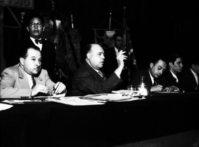 Luis N. Morones, líder sindical haciendo uso de la palabra durante una asamblea