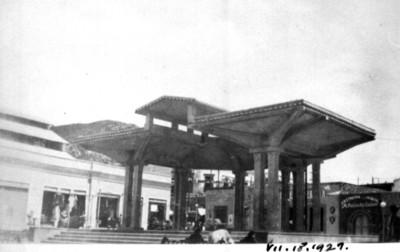 Pérgola en la Plaza Constitución