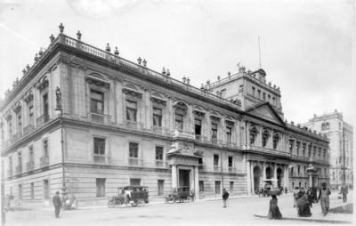 Palacio de Minería, fachada