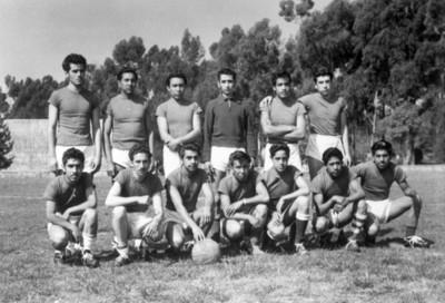 Integrantes de equipo de futbol, retrato de grupo
