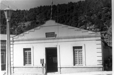 """""""Oficina de correos"""" en en poblado de San Rafael"""
