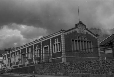 Edificio de la antigua fábrica de San Rafael, fachada