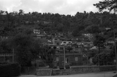 Casas habitación en cerro del poblado de San Rafael