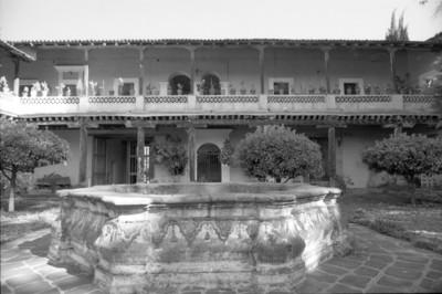Fuente en patio interior de la hacienda San Rafael