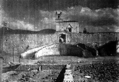 Vista frontal del conjunto conventual de San Andrés Apóstol
