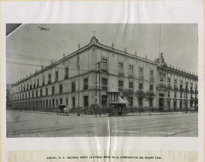 """Edificio """"Nacional Monte de Piedad antes de la construcción del cuarto piso"""""""