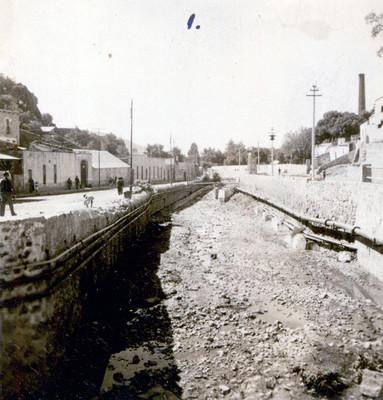 Obras de desazolve en un tramo del Río de las Avenidas
