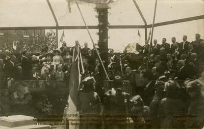 El Marqués de Bugnano pronuncia discurso durante la colocación de la primera piedra al monumento a Garibaldi, tarjeta postal