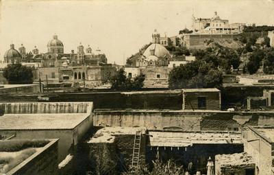 Vista de la Basílica de Guadalupe y la Capilla del Pocito, tarjeta postal