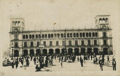 Fachada frontal del Palacio Municipal en la Ciudad de México