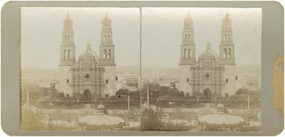 """""""Plaza principal y la catedral de Chihuahua"""", panorámica"""