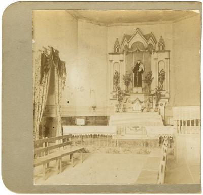 Altar de una capitta, vista frontal