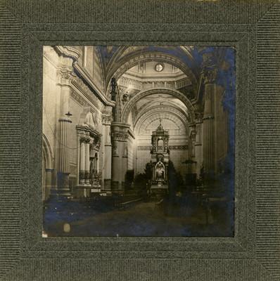 """Altar principal de la """"Catedral de Saltillo"""", interior"""