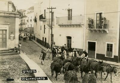 """Calle de Guanajuato, """"Streets of Guanajuato"""""""