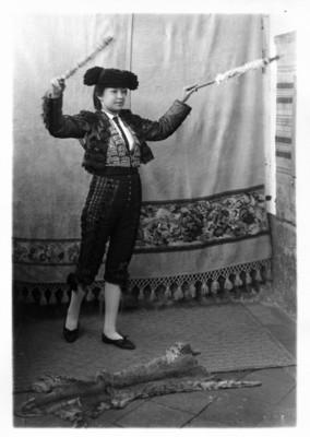 """La guerrita female bullfighter"" La guerrita torero femenina"